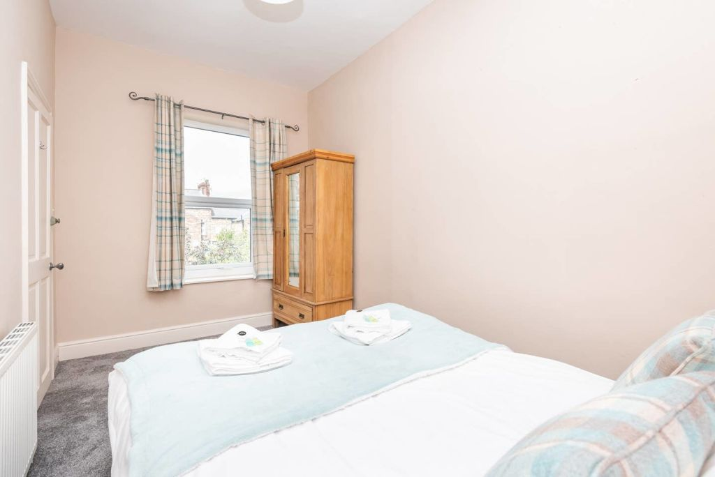 image 8 furnished 3 bedroom Apartment for rent in City of York, North Yorkshire NE
