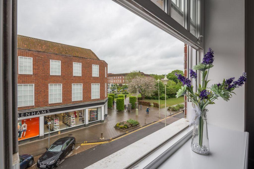 image 3 furnished 2 bedroom Apartment for rent in Welwyn Hatfield, Hertfordshire