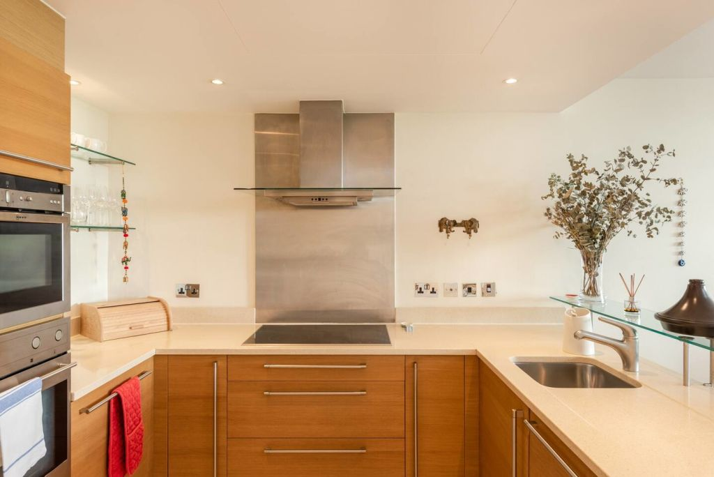 image 9 furnished 2 bedroom Apartment for rent in Vauxhall, Lambeth