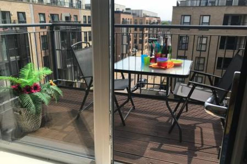 image 10 furnished 2 bedroom Apartment for rent in Romford, Havering