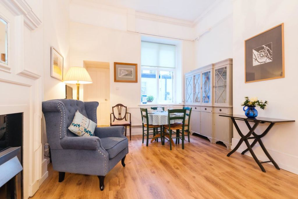 image 5 furnished 2 bedroom Apartment for rent in Chelsea, Kensington Chelsea