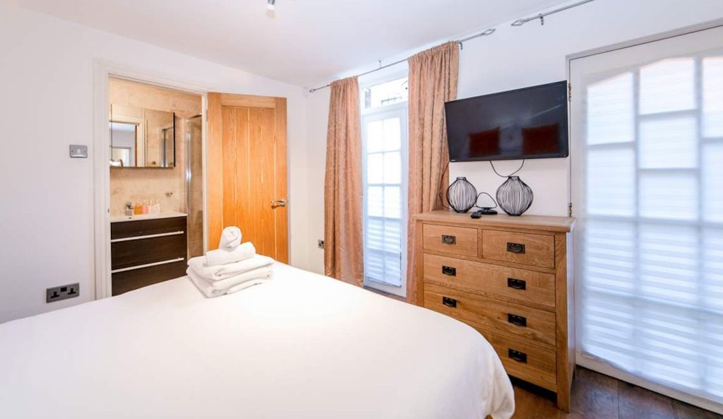image 2 furnished 2 bedroom Apartment for rent in Wandsworth, Wandsworth