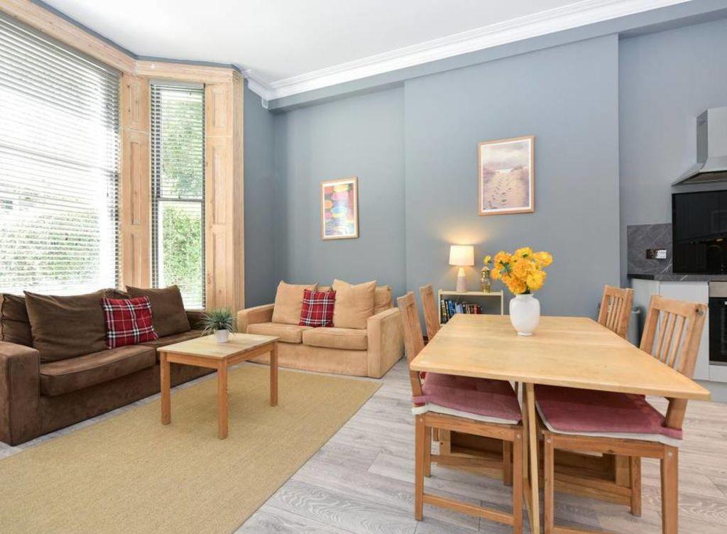 image 1 furnished 2 bedroom Apartment for rent in Holland Park, Kensington Chelsea