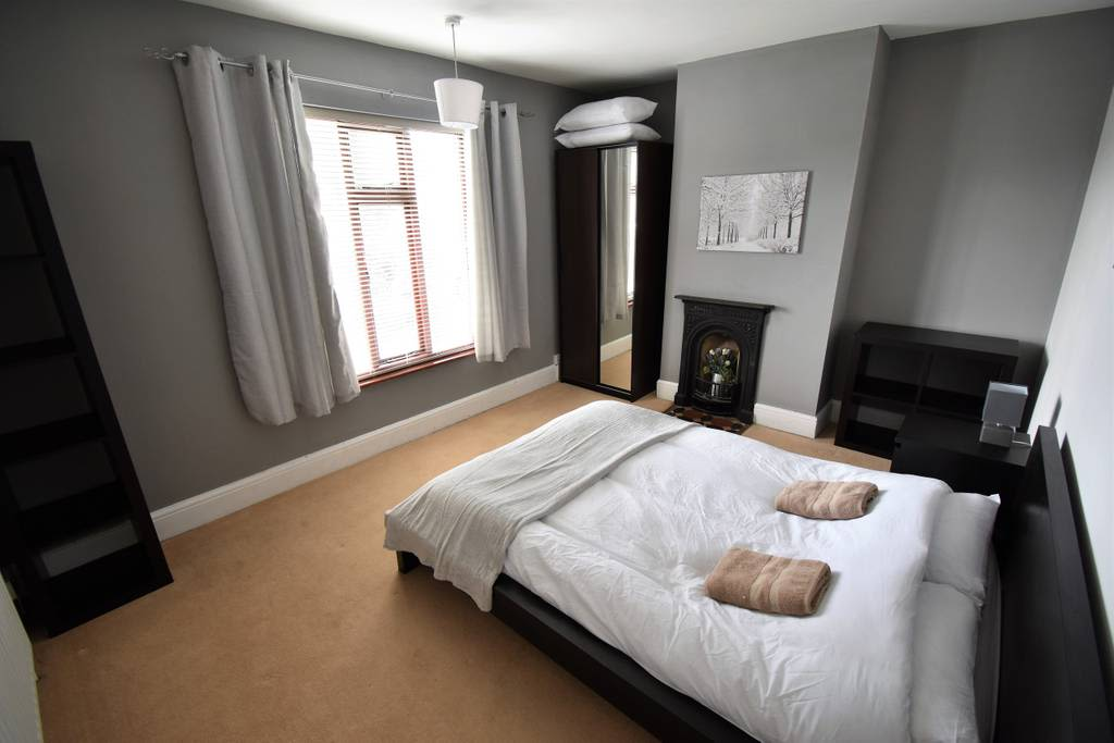 image 5 furnished 3 bedroom Apartment for rent in Radford, Coventry