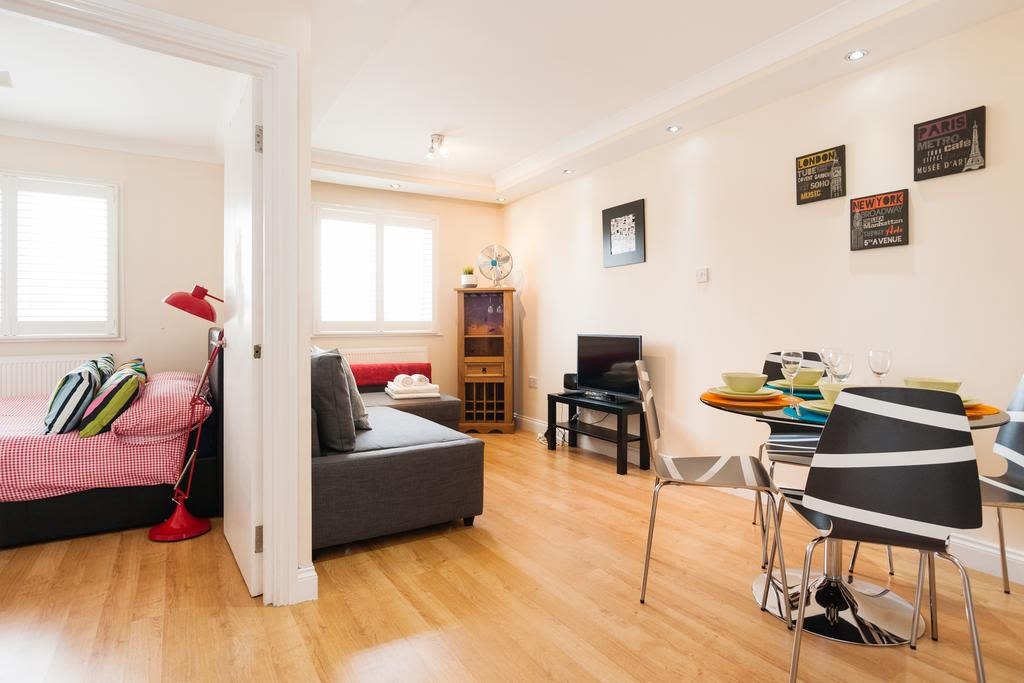 image 1 furnished 1 bedroom Apartment for rent in Finsbury, Islington