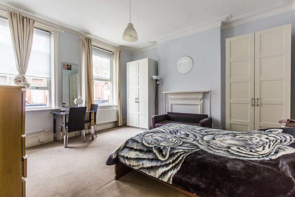 image 10 furnished 3 bedroom Apartment for rent in West Hampstead, Camden