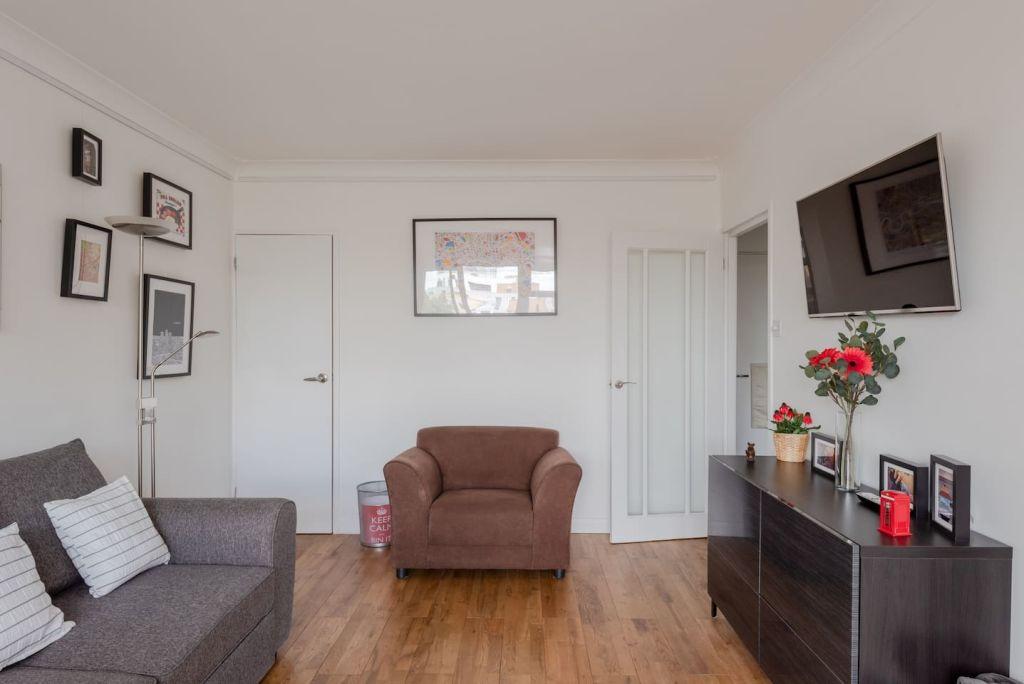 image 3 furnished 2 bedroom Apartment for rent in Mile End, Tower Hamlets