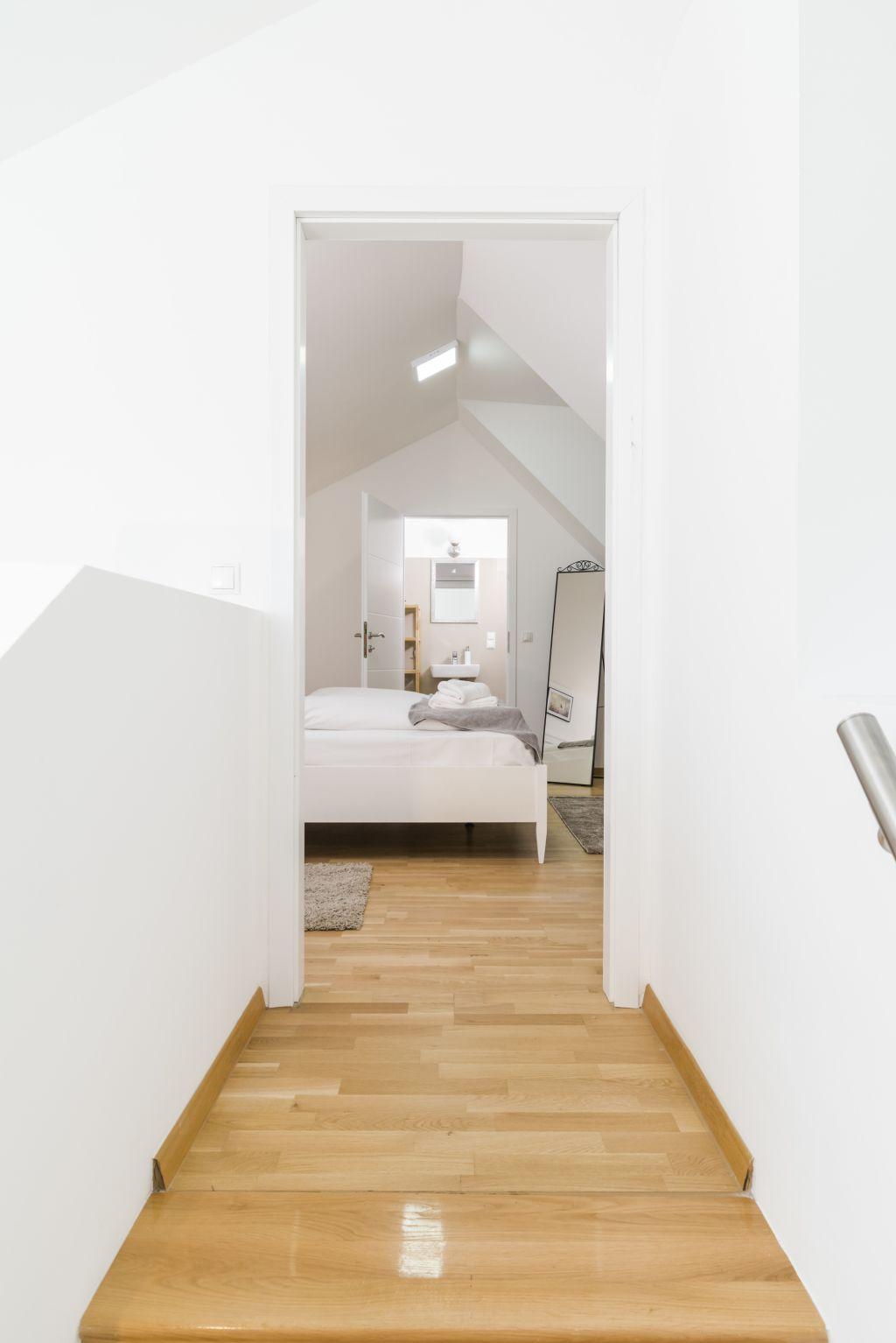 image 5 furnished 3 bedroom Apartment for rent in Landstrabe, Vienna