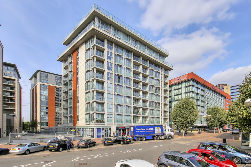 image 9 furnished 1 bedroom Apartment for rent in Canning Town, Newham