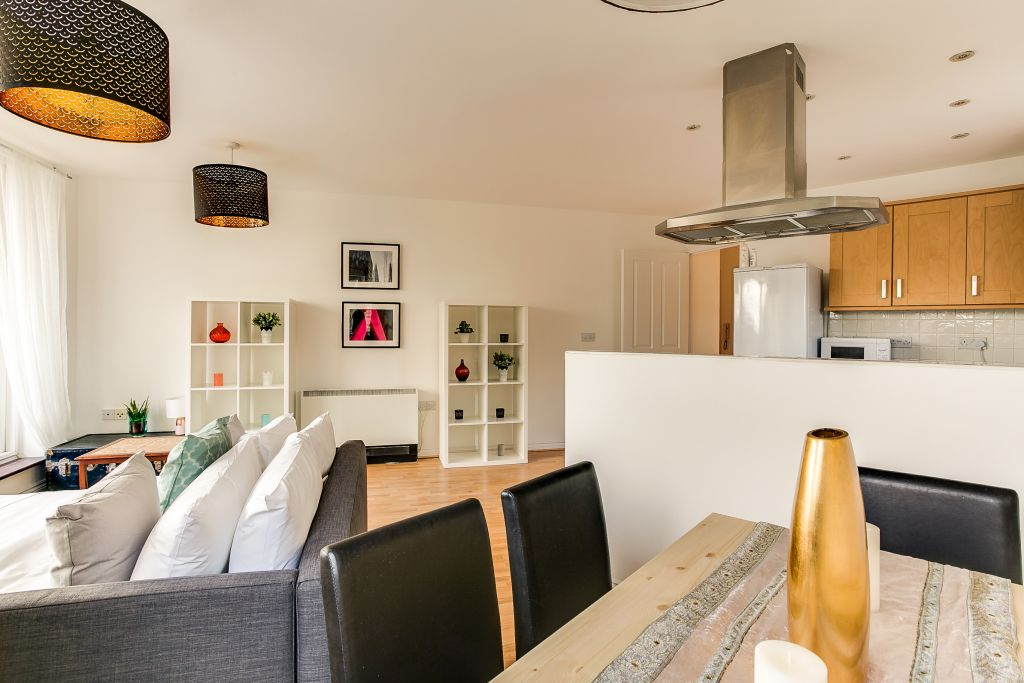image 1 furnished 1 bedroom Apartment for rent in Hackney Central, Hackney