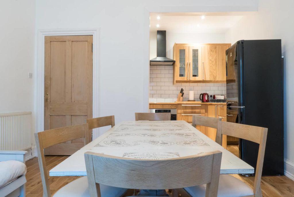 image 2 furnished 1 bedroom Apartment for rent in Edinburgh, Scotland