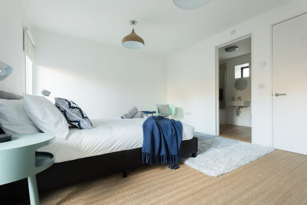 image 8 furnished 3 bedroom Apartment for rent in South Wimbledon, Merton