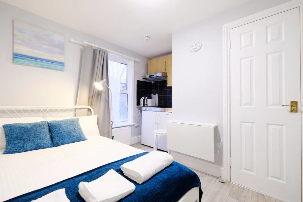image 6 furnished 1 bedroom Apartment for rent in Acton, Ealing