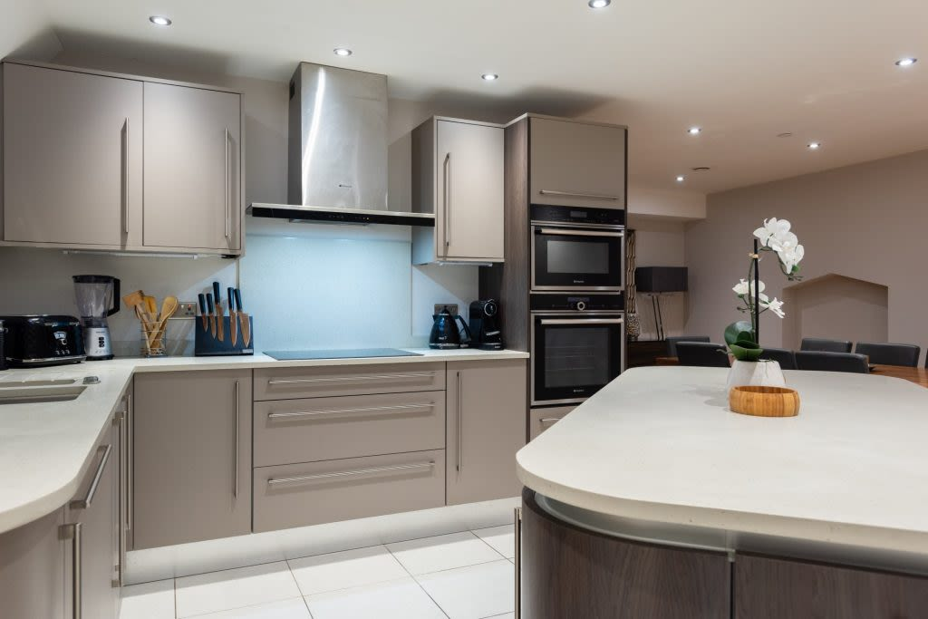 image 5 furnished 5 bedroom Apartment for rent in Westminster, City of Westminster