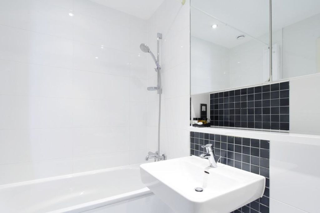 image 5 furnished 1 bedroom Apartment for rent in Dacorum, Hertfordshire