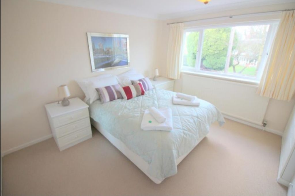 image 1 furnished 3 bedroom Apartment for rent in Cambridge, Cambridgeshire