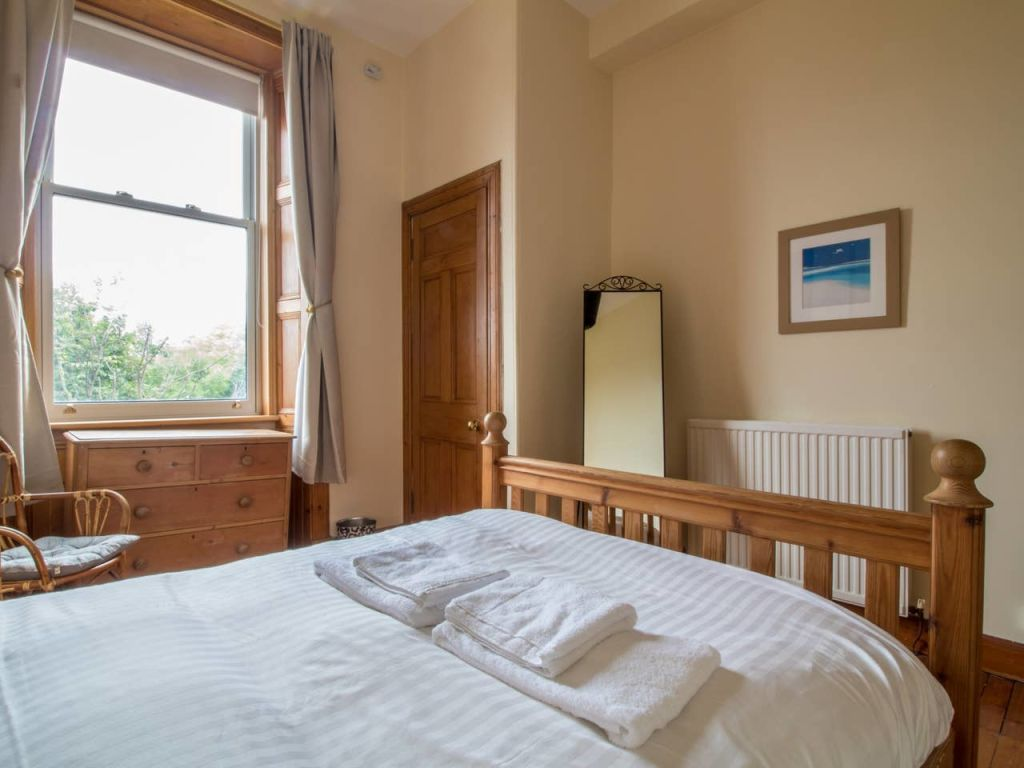 image 8 furnished 2 bedroom Apartment for rent in Edinburgh, Scotland