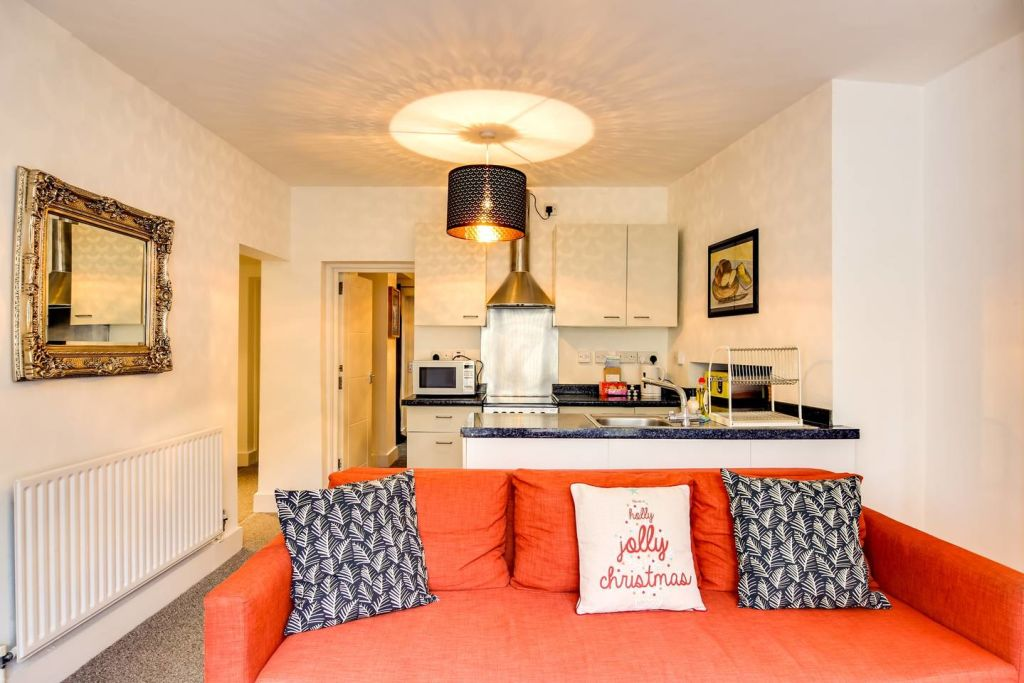 image 2 furnished 2 bedroom Apartment for rent in Hackney Downs, Hackney