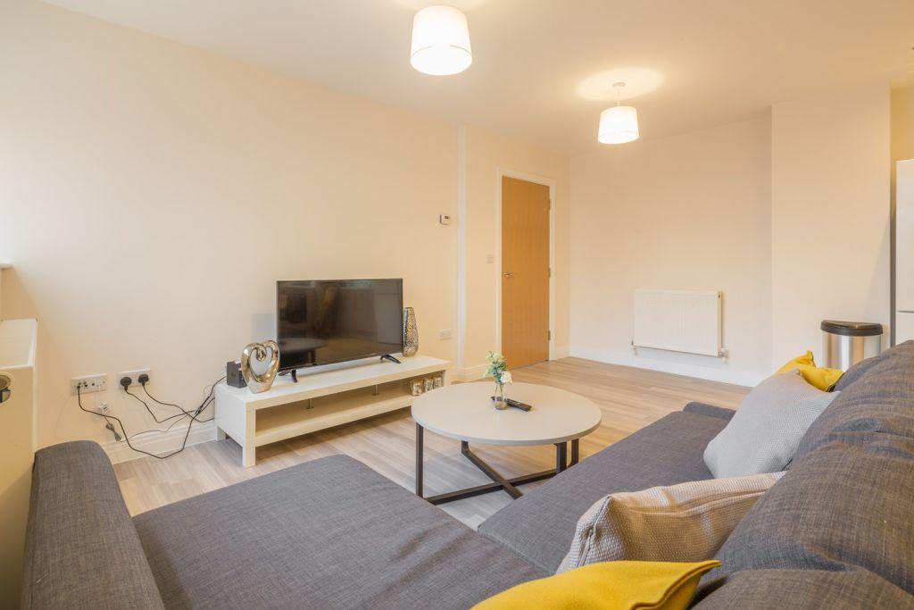 image 4 furnished 2 bedroom Apartment for rent in Stevenage, Hertfordshire