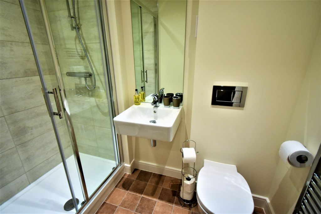 image 5 furnished 2 bedroom Apartment for rent in Windsor and Maidenhead, Berkshire