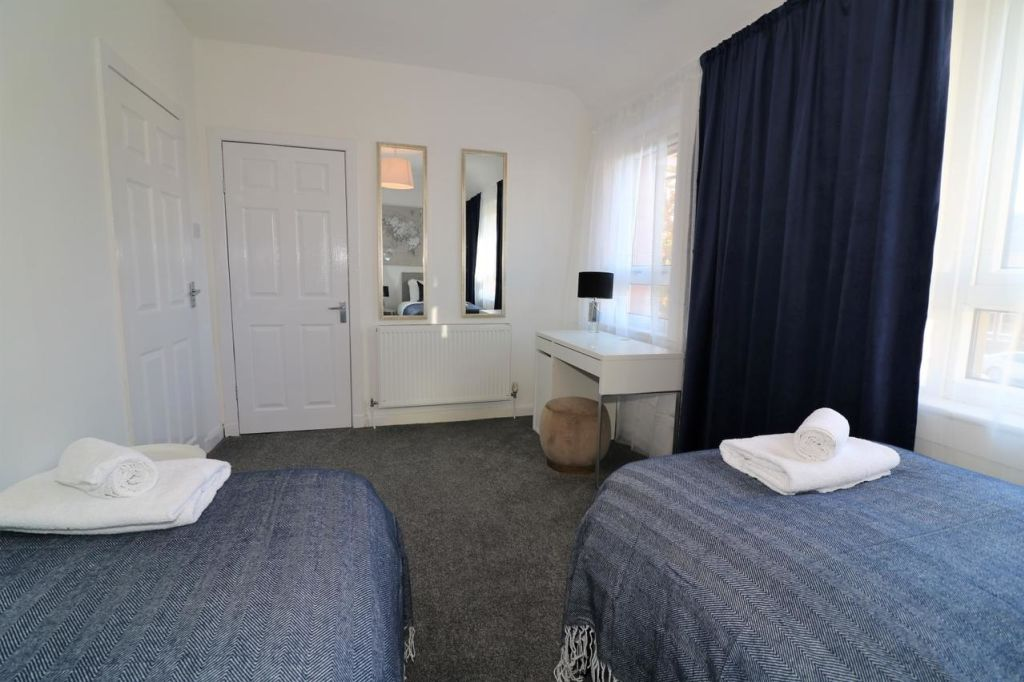 image 5 furnished 2 bedroom Apartment for rent in Renfrewshire, Scotland