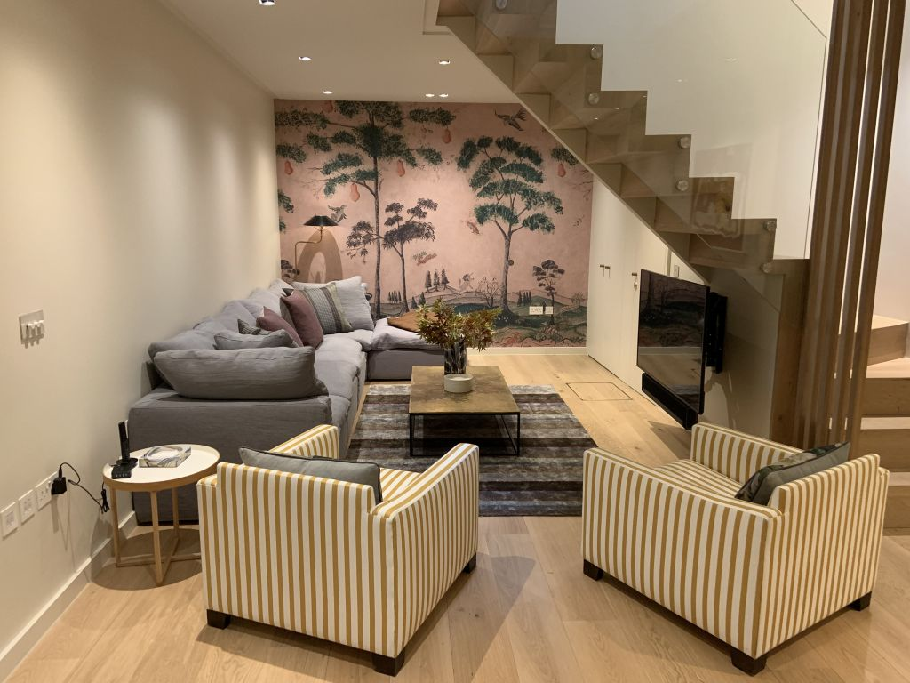 image 3 furnished 3 bedroom Apartment for rent in Earls Court, Kensington Chelsea