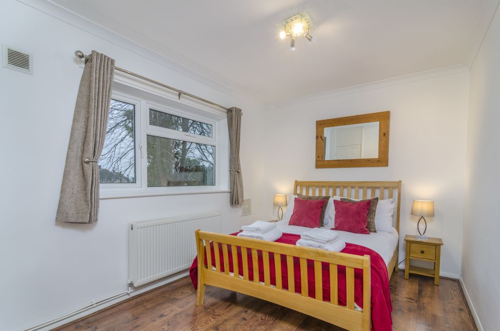image 1 furnished 1 bedroom Apartment for rent in Hounslow, Hounslow