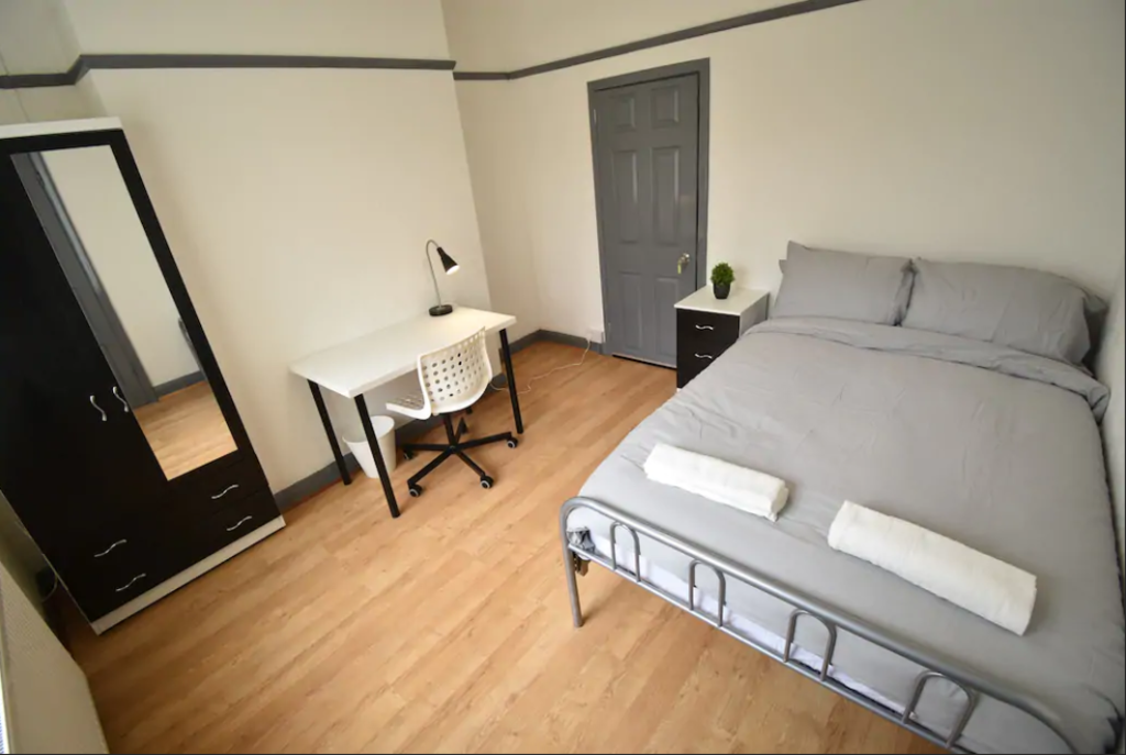 image 3 furnished 4 bedroom Apartment for rent in Foleshill, Coventry