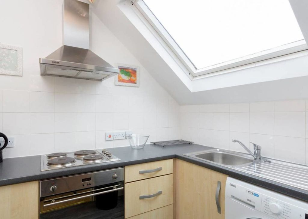 image 4 furnished 1 bedroom Apartment for rent in Hanger Hill, Ealing