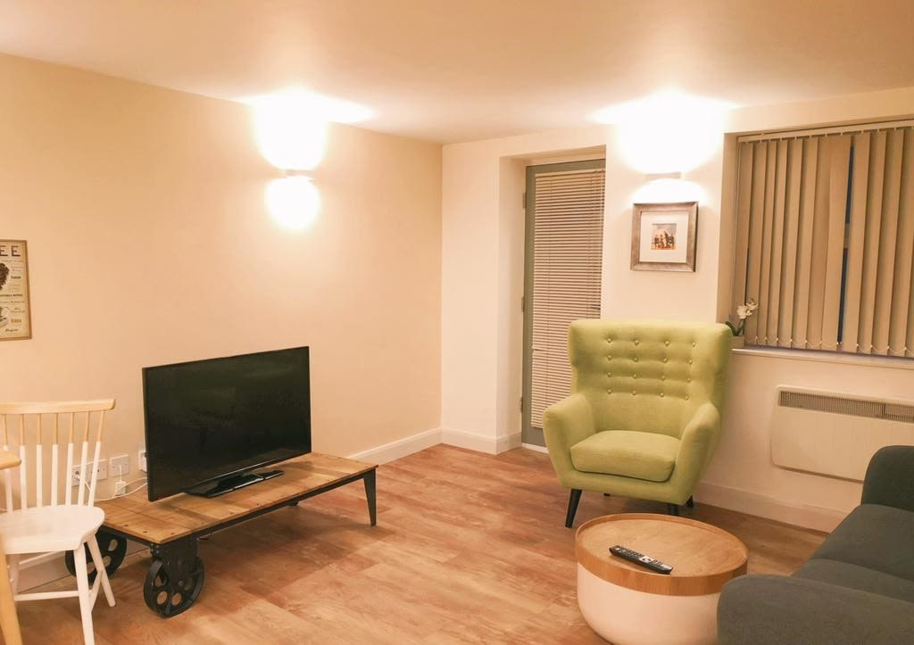 image 1 furnished 2 bedroom Apartment for rent in Sheffield, South Yorkshire