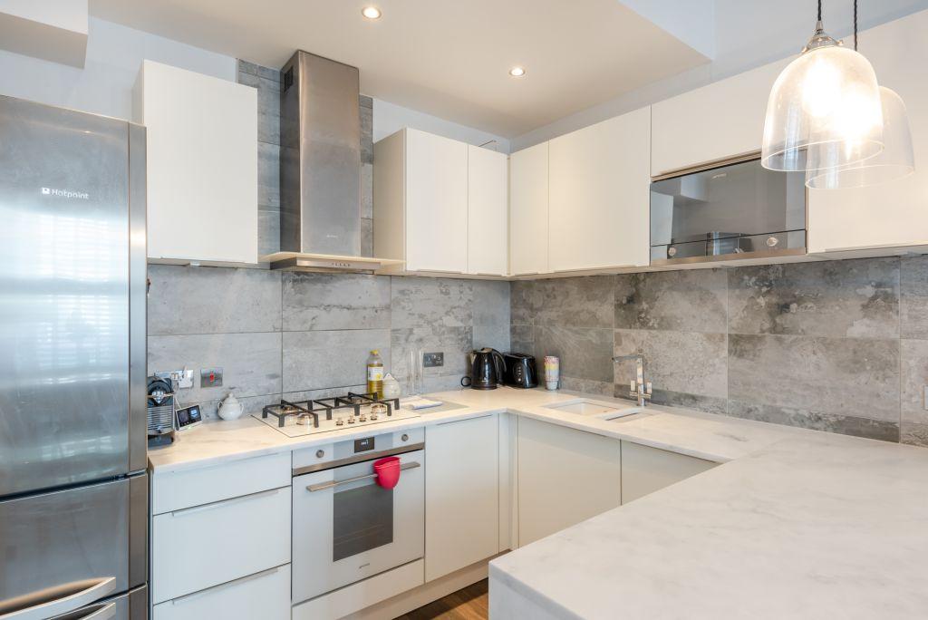 image 8 furnished 2 bedroom Apartment for rent in Kilburn, Brent