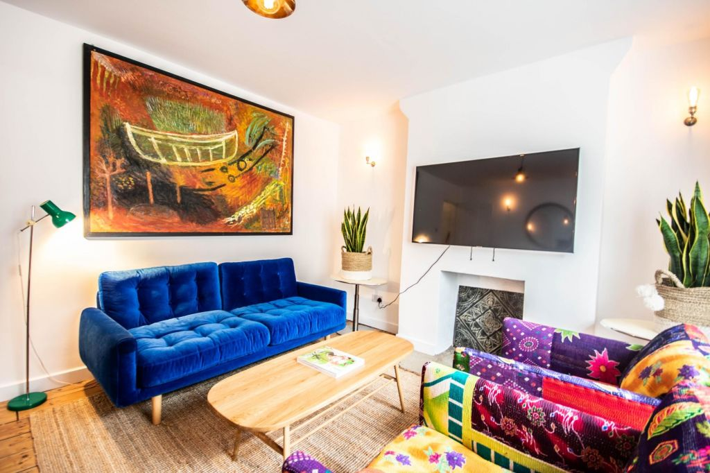 image 1 furnished 3 bedroom Apartment for rent in Islington, Islington