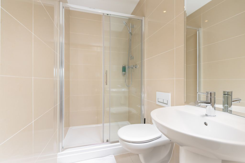 image 6 furnished 2 bedroom Apartment for rent in Enfield Town, Enfield