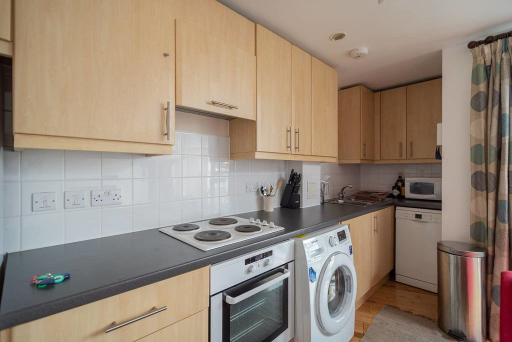 image 8 furnished 1 bedroom Apartment for rent in Warwick, Warwickshire