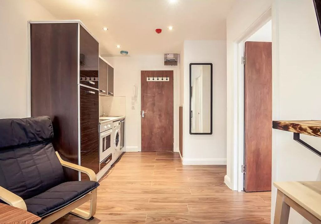image 4 furnished 1 bedroom Apartment for rent in Camden Town, Camden