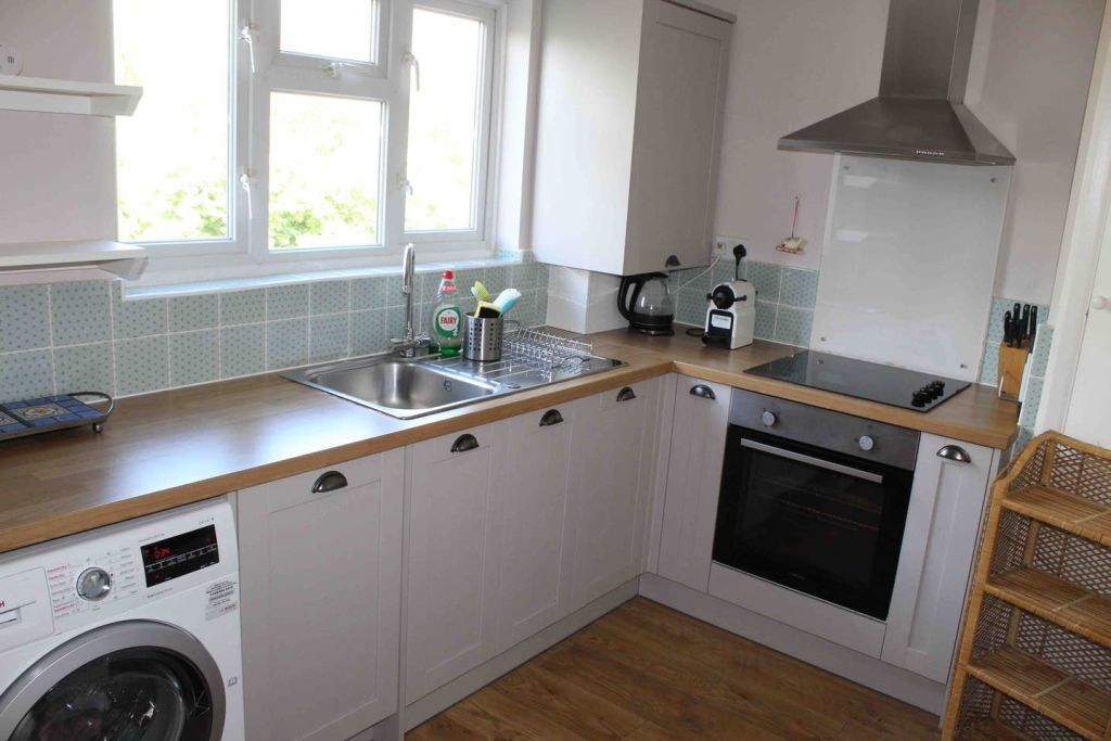 image 1 furnished 2 bedroom Apartment for rent in Bromley, Bromley