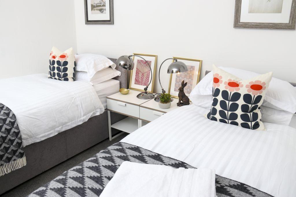 image 1 furnished 3 bedroom Apartment for rent in Watford, Hertfordshire