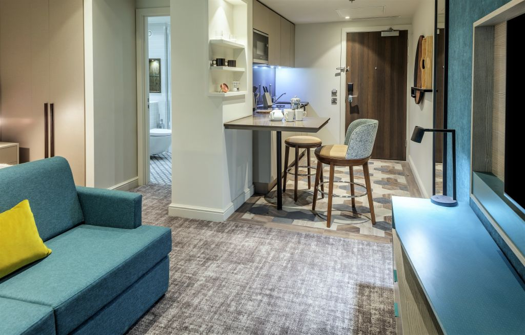 image 3 furnished 1 bedroom Apartment for rent in Hillingdon, Hillingdon