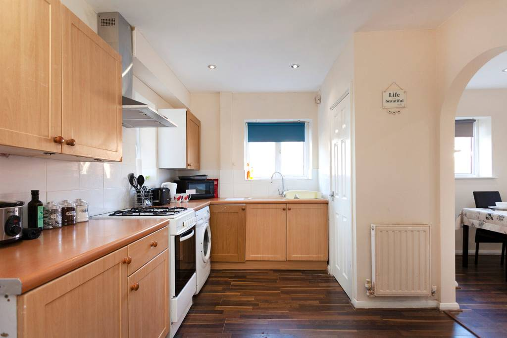 image 4 furnished 3 bedroom Apartment for rent in Charnwood, Leicestershire
