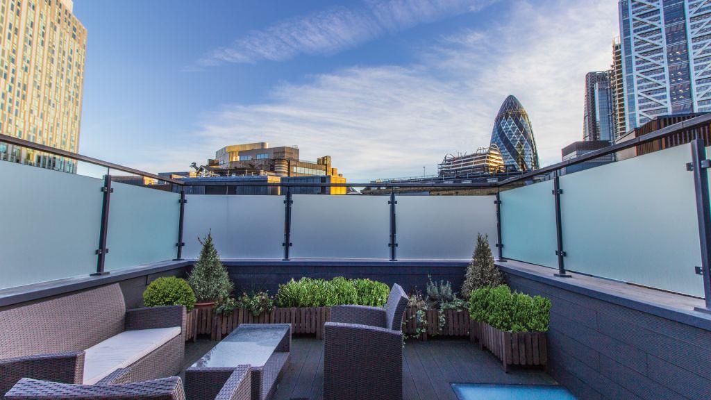 image 1 furnished 2 bedroom Apartment for rent in Bishopsgate, City of London