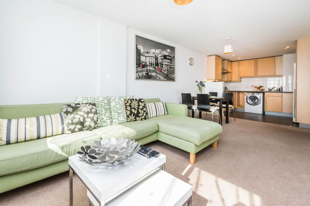 image 2 furnished 1 bedroom Apartment for rent in Stratford, Newham