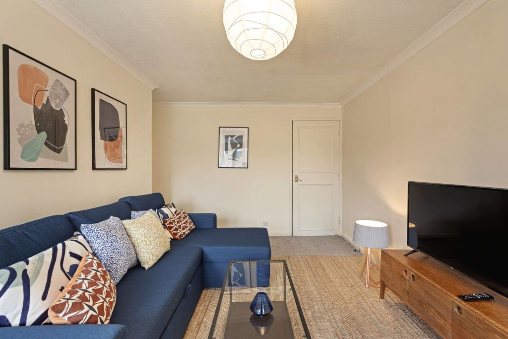 image 2 furnished 2 bedroom Apartment for rent in North End, Bexley
