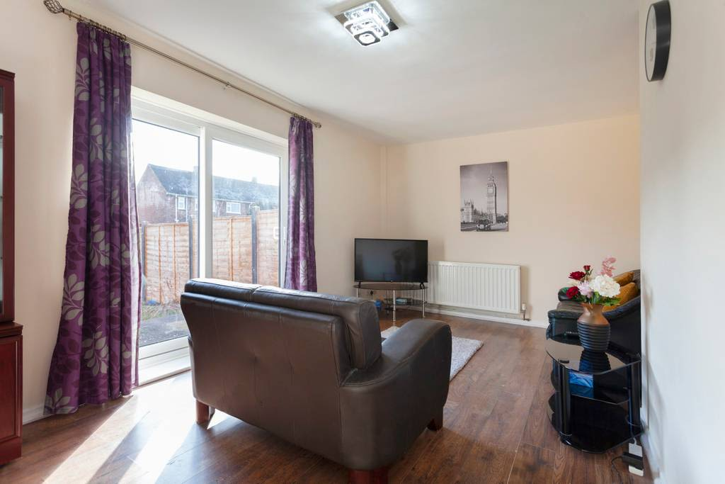 image 1 furnished 3 bedroom Apartment for rent in Charnwood, Leicestershire