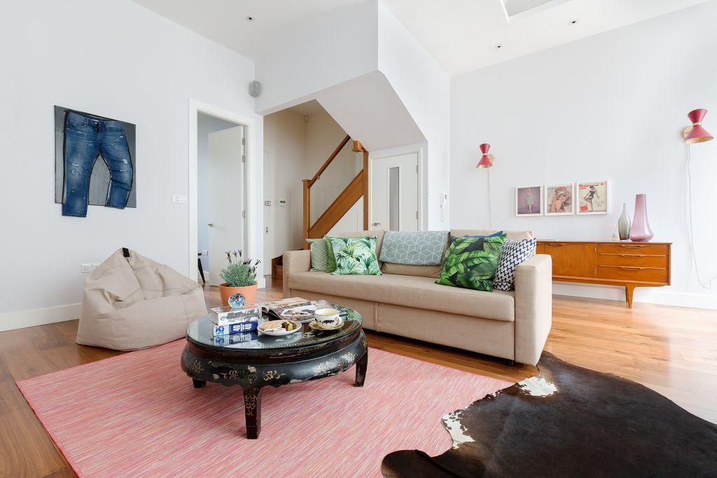 image 3 furnished 3 bedroom Apartment for rent in Kensington, Kensington Chelsea