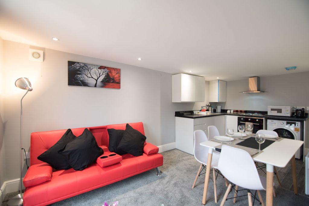 image 1 furnished 2 bedroom Apartment for rent in Derby, Derbyshire
