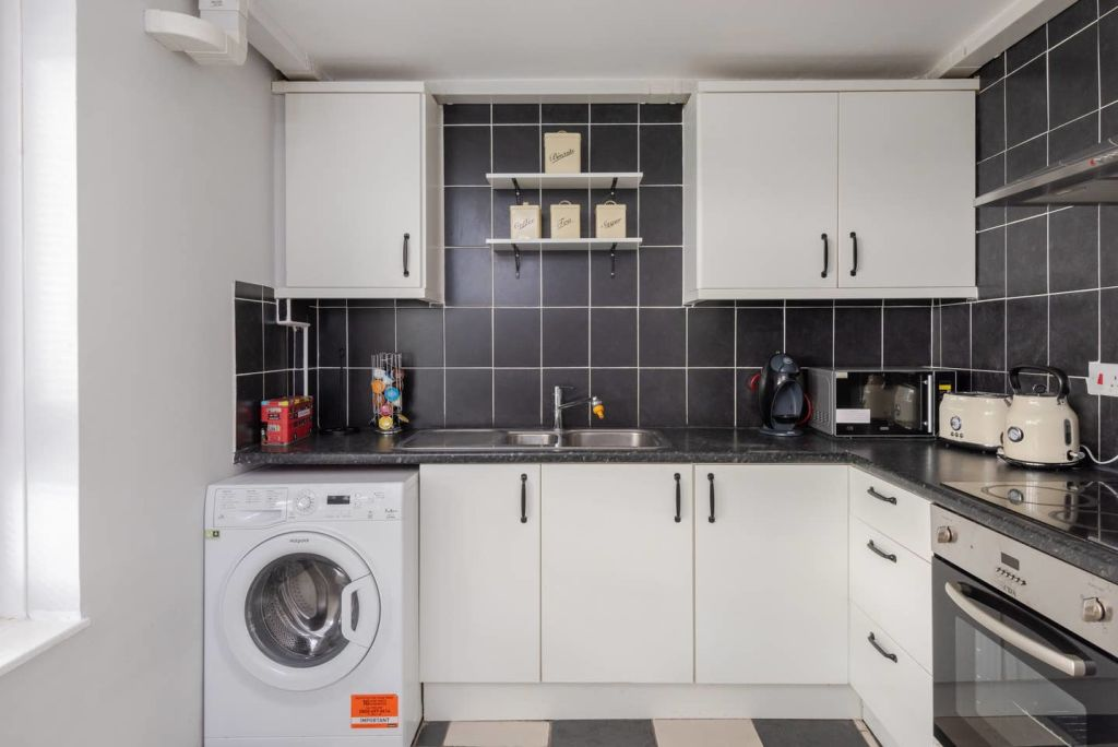 image 4 furnished 2 bedroom Apartment for rent in St Giles, Camden