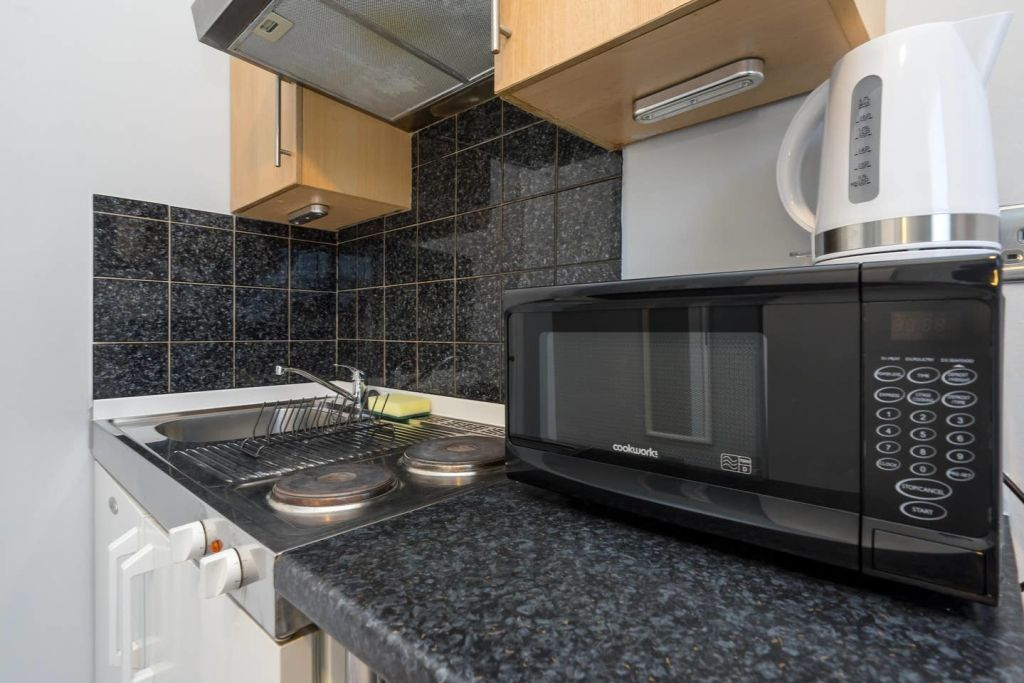 image 1 furnished 1 bedroom Apartment for rent in Ealing, Ealing