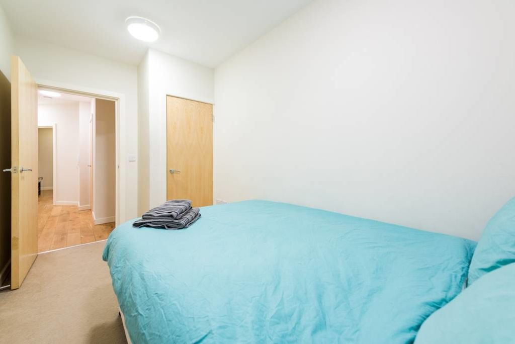 image 6 furnished 3 bedroom Apartment for rent in Stockwell, Lambeth