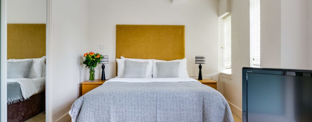 image 3 furnished 1 bedroom Apartment for rent in Belgravia, City of Westminster