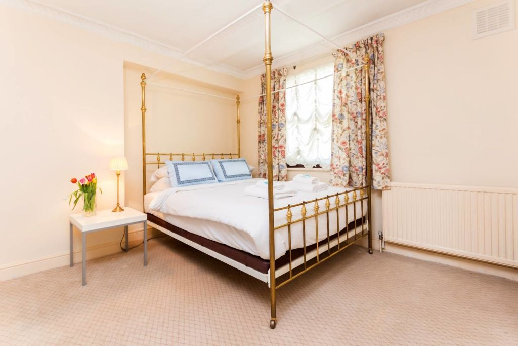 image 1 furnished 3 bedroom Apartment for rent in Westminster, City of Westminster